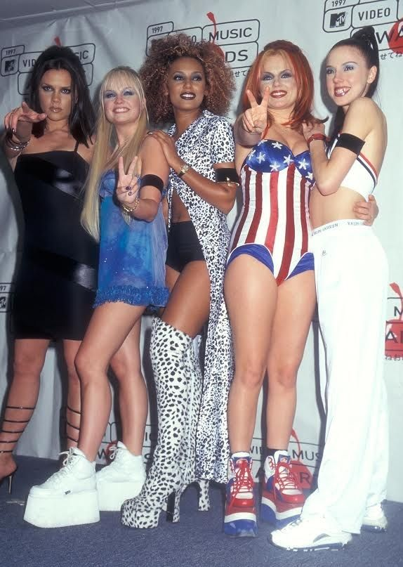 Spice girls, 90s fashion
