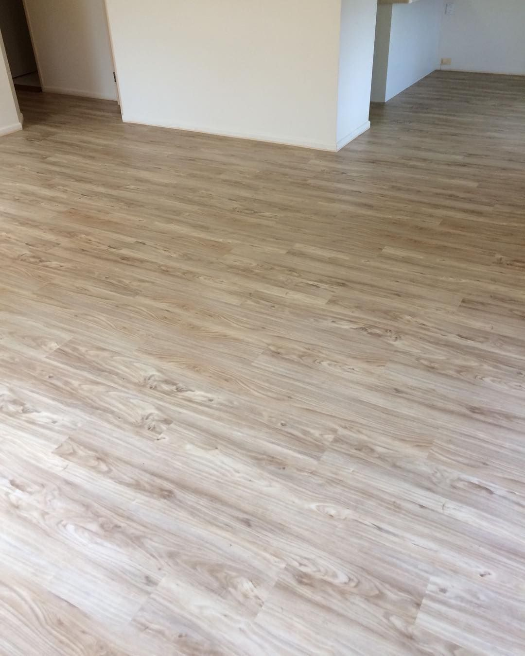 Illusions Colour Ashwood Renovation Newflooring Fitout Looselay Vinylplanks Illusions Ironbark Ca House Flooring Luxury Flooring Commercial Flooring