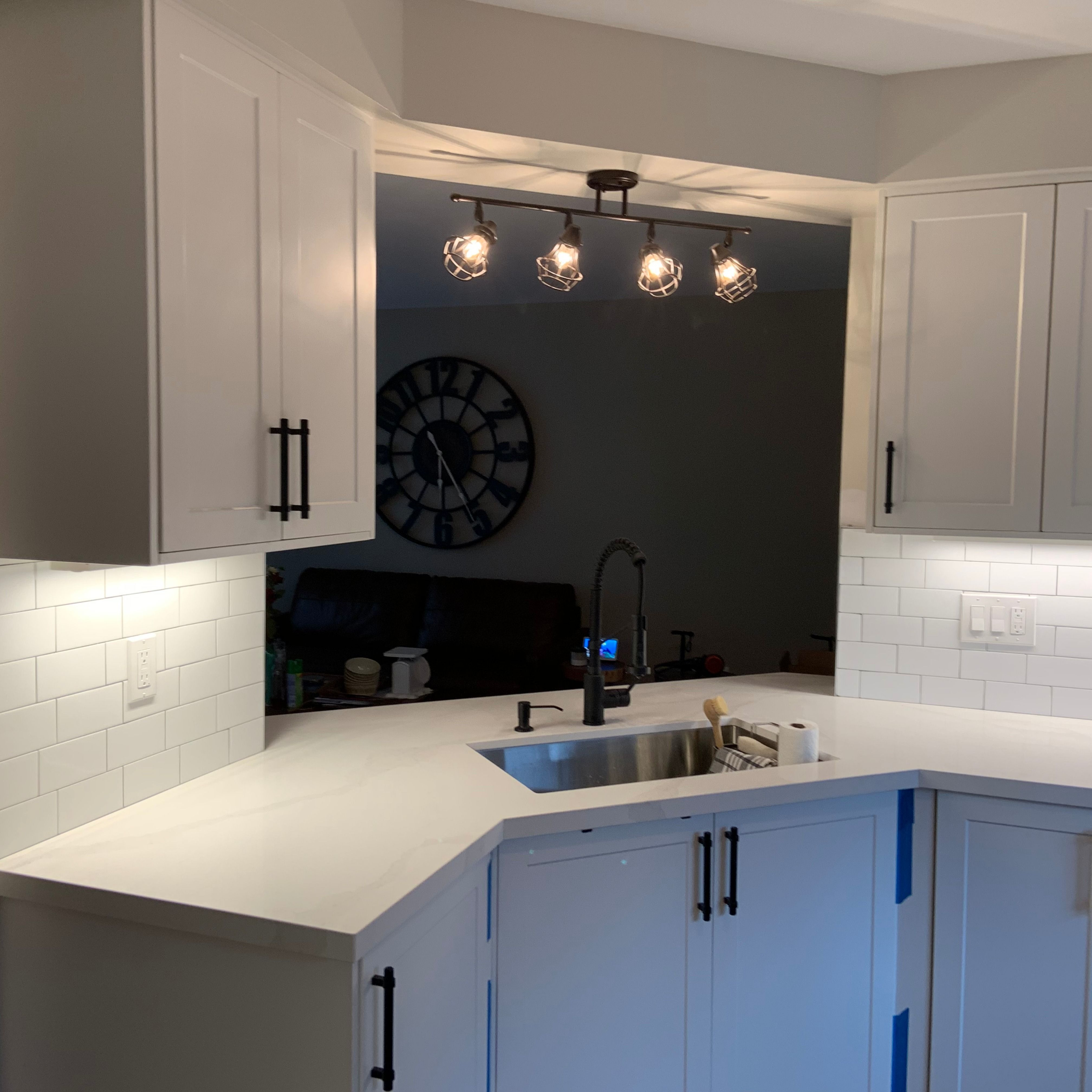 Executive Shaker Cabinets In Crystal White Replacement Kitchen Doors Kitchen Renovation Custom Kitchen Cabinets