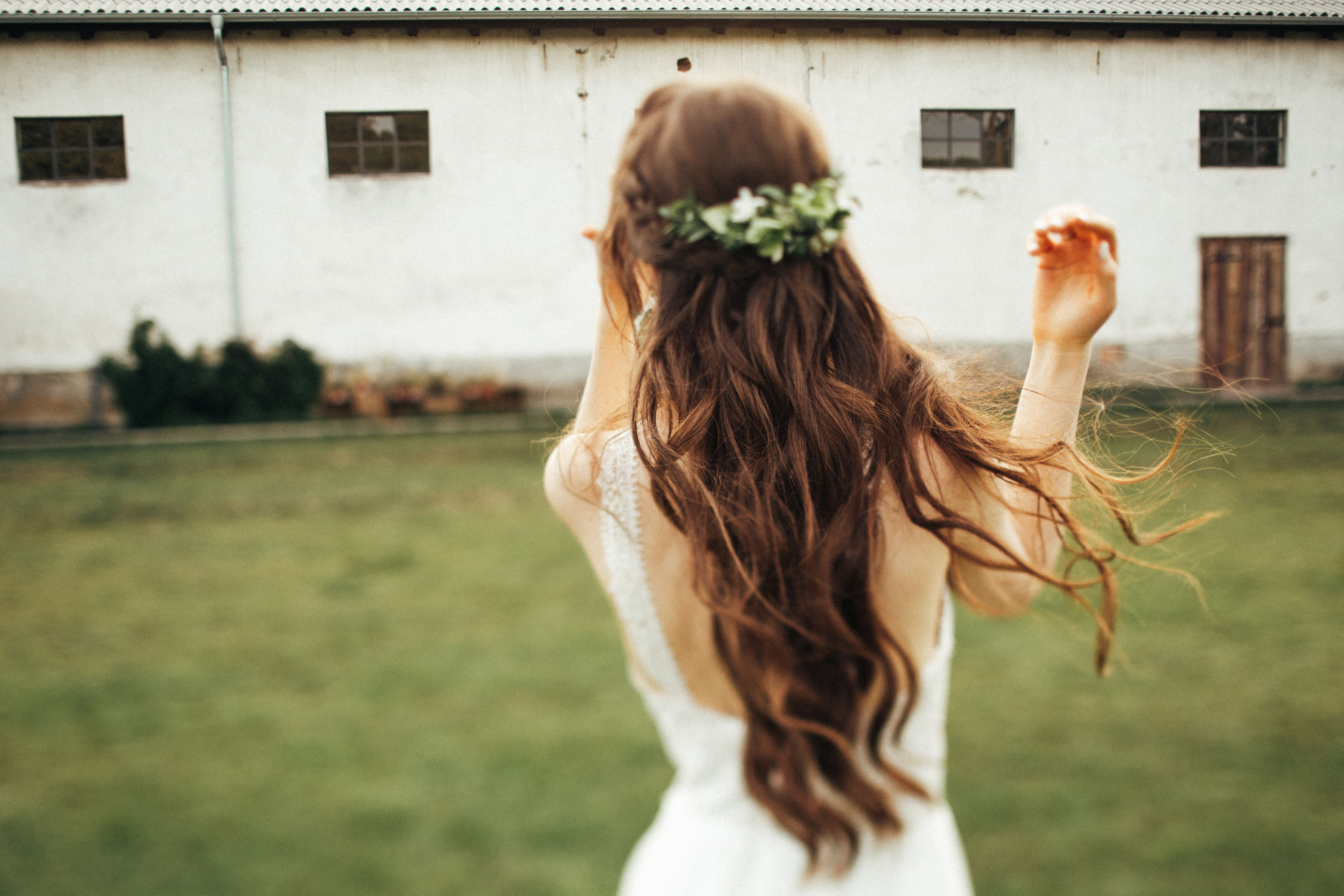 Inna Studio Flower Half Cup Flowers In The Hair Green Decoration Comb With Flowers Green In The Hair For The Wedd Long Hair Styles Flowers In Hair Hair Styles