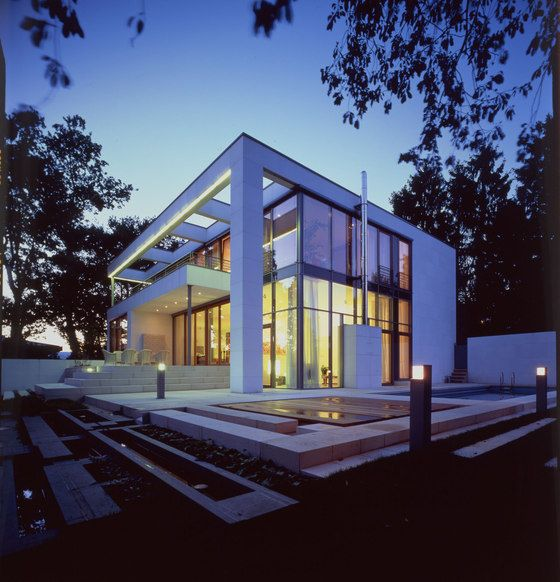 White cube by Dibelius Architekten