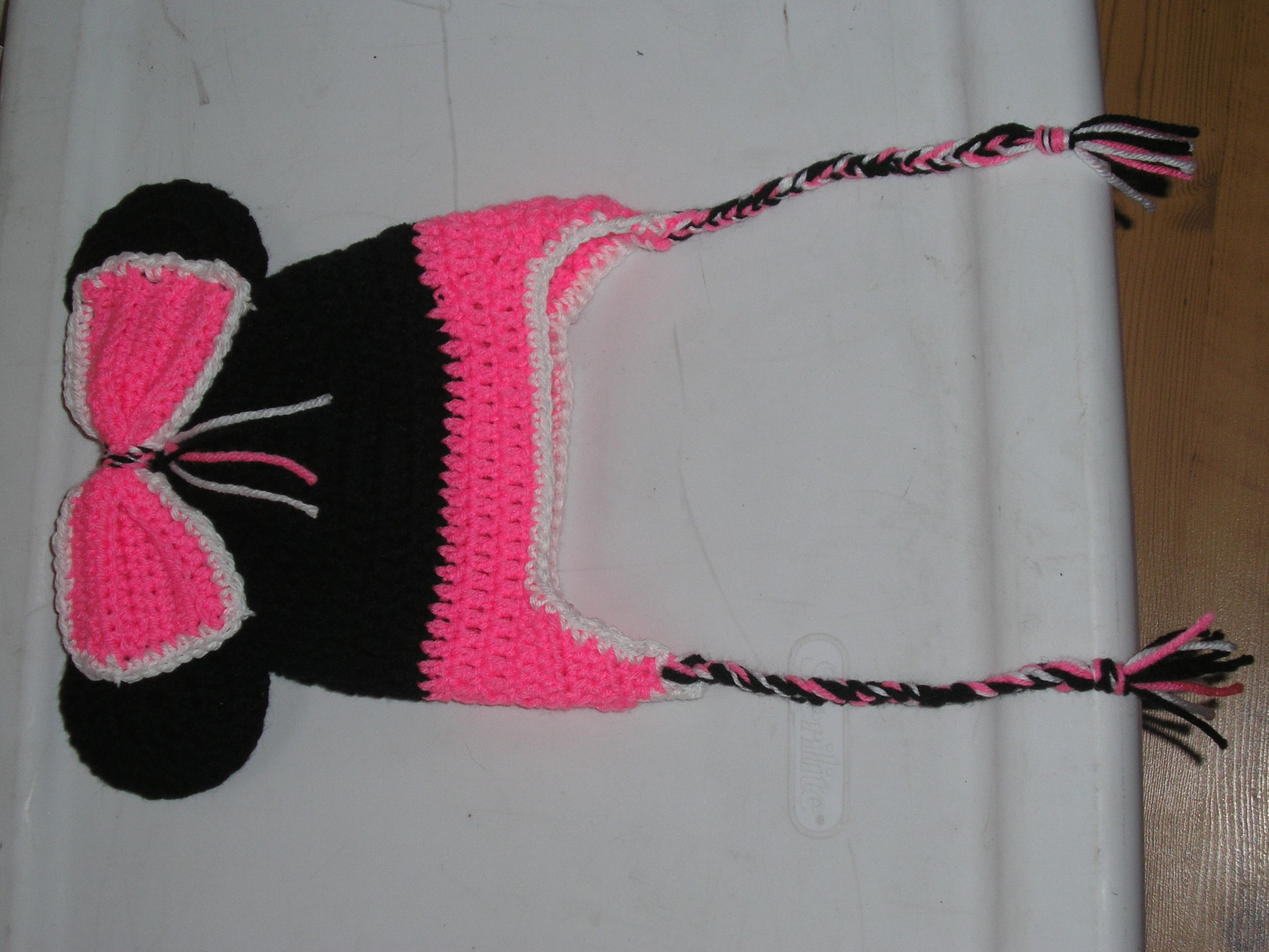 minnie mouse hat made by bobbi lelo