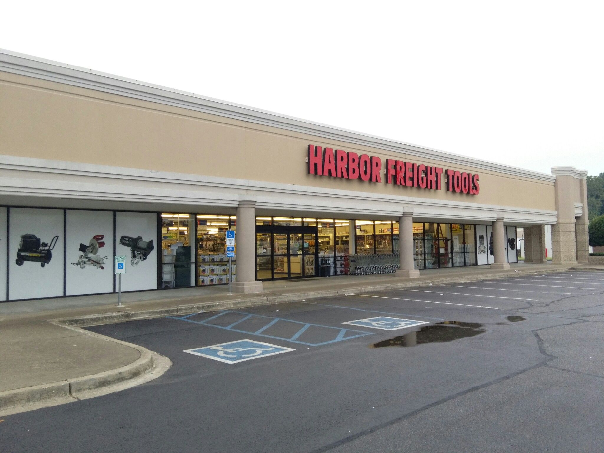 Harbor Freight Tools Store #406 Southaven, Mississippi