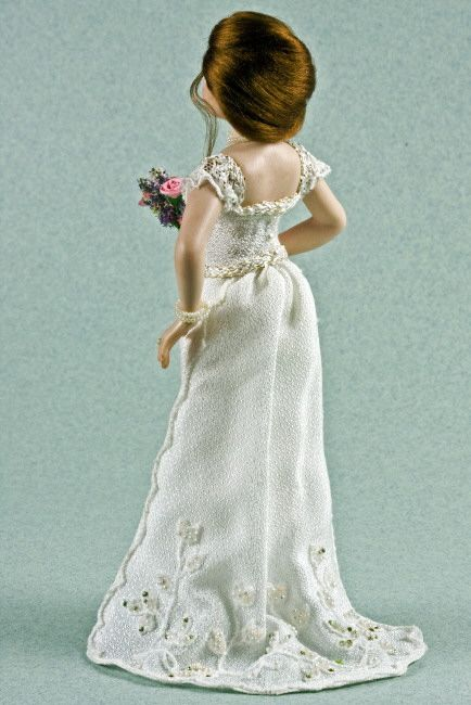 VYNETTE miniature dolls
