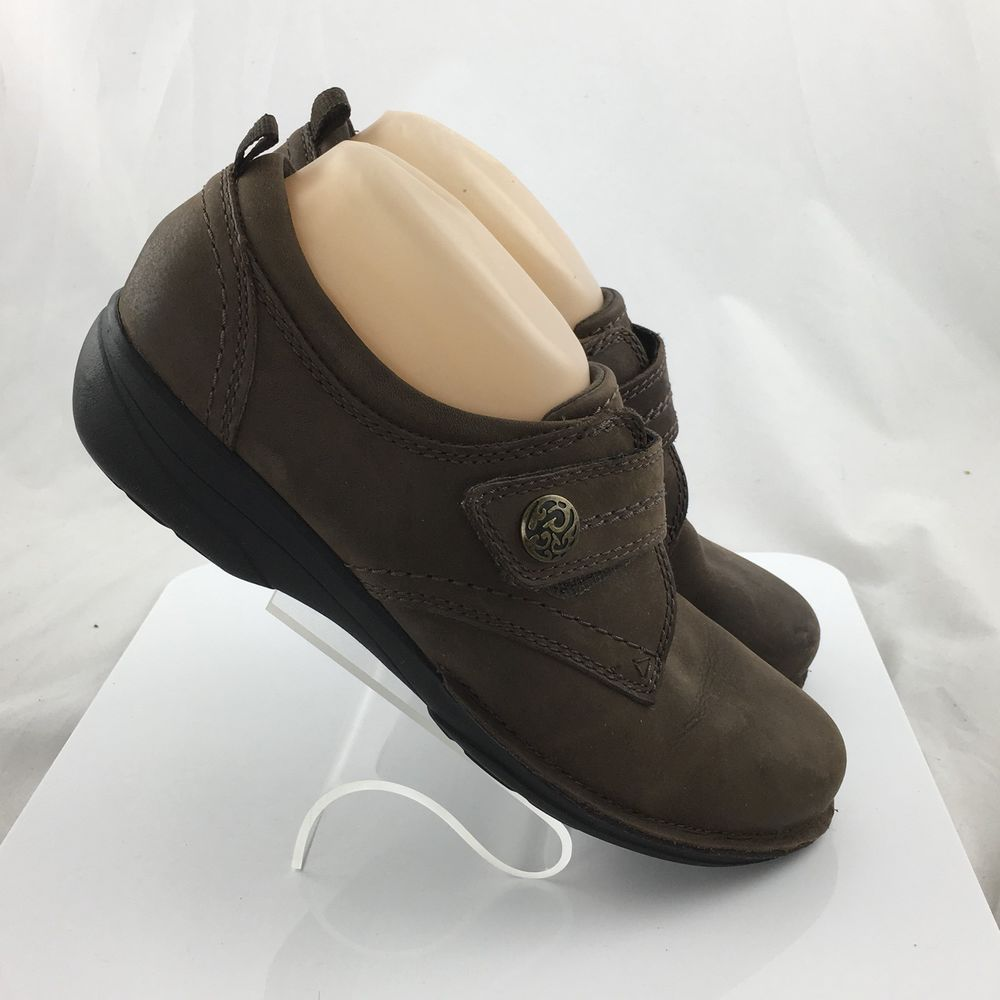 Clarks Gaberly Panama Womens Leather Adjustable Strap Loafers Shoes brown size 8