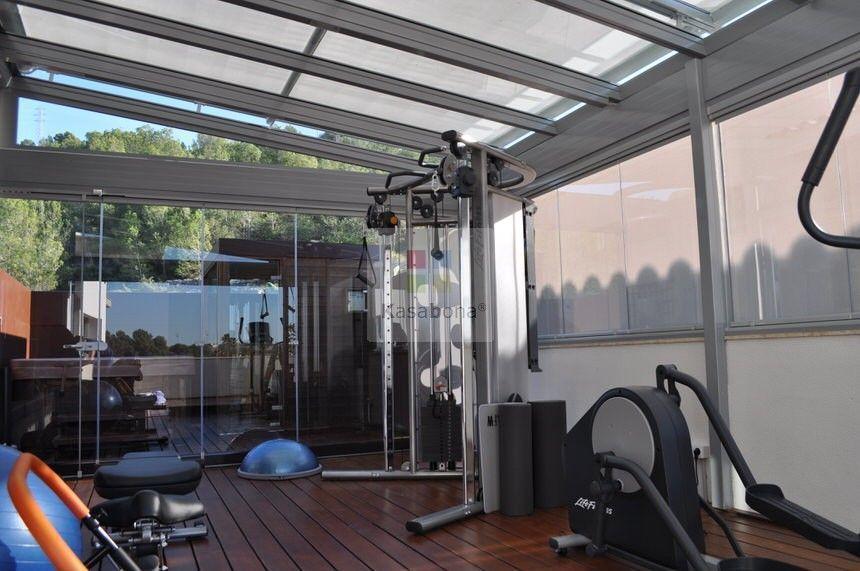 Disfruta de su terraza se imagina tener un gimnasio en - Gimnasios en casa ...