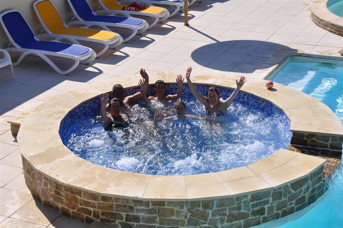 piscine extrieure chauffe camping 3 etoiles st hilaire de riez en vende domaine des salins