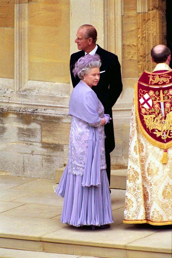 90 anni, 90 look, 1 regina. E 1 icona Regina elisabetta