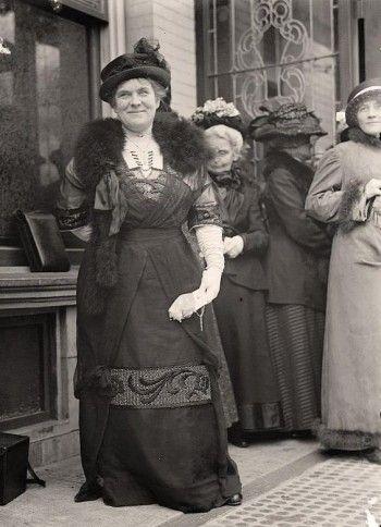 Vintage busty mature women