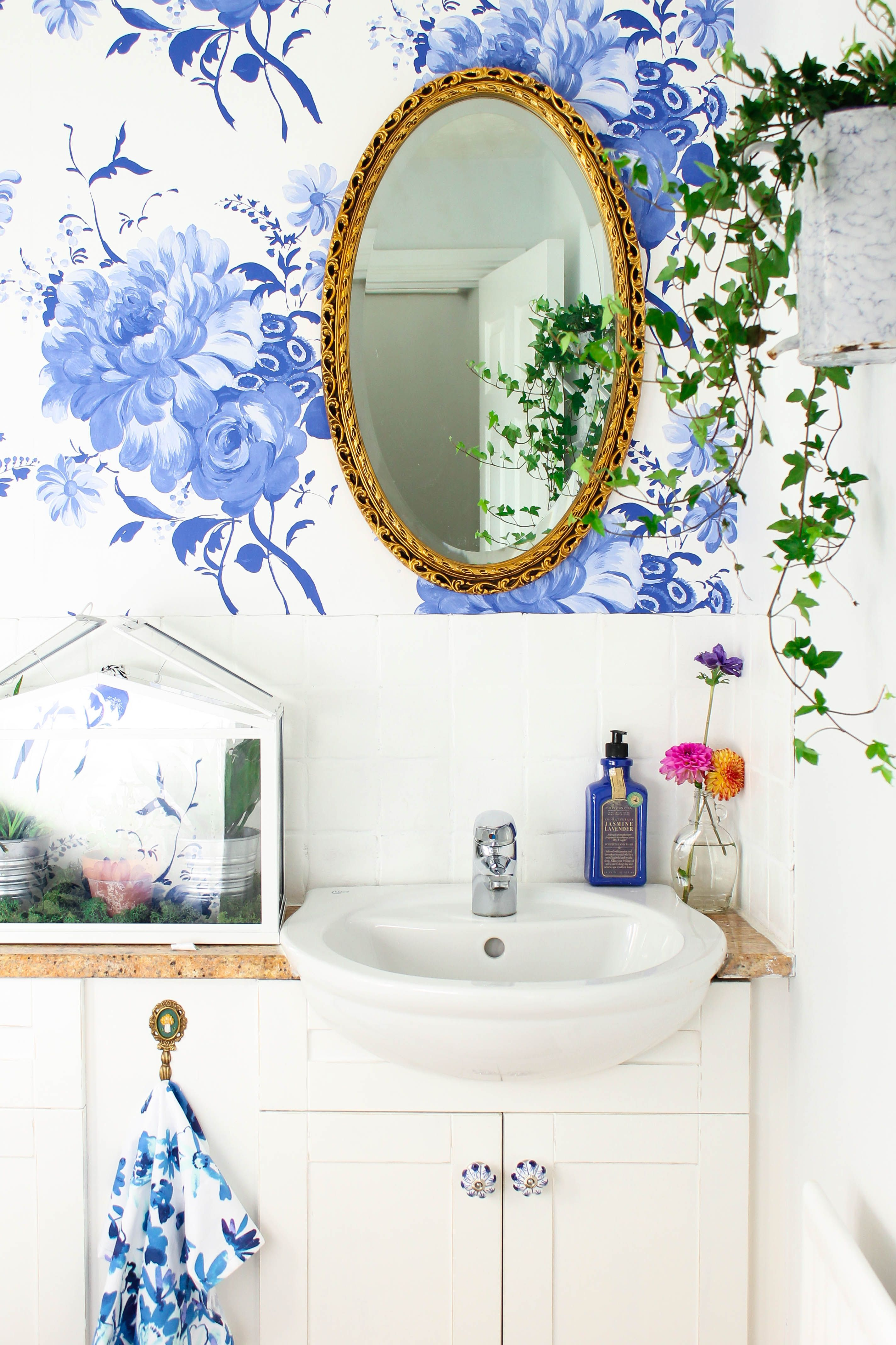 The Dreamiest of bathrooms with our Mehsama wallpaper, Blueberry ...