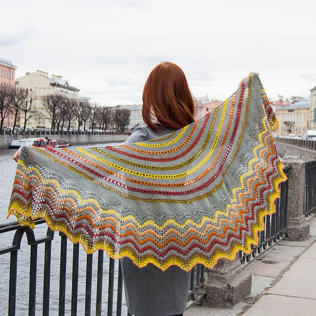 Ravelry: Audrey Shawl pattern by Tricot & Stitch | Chales de ...