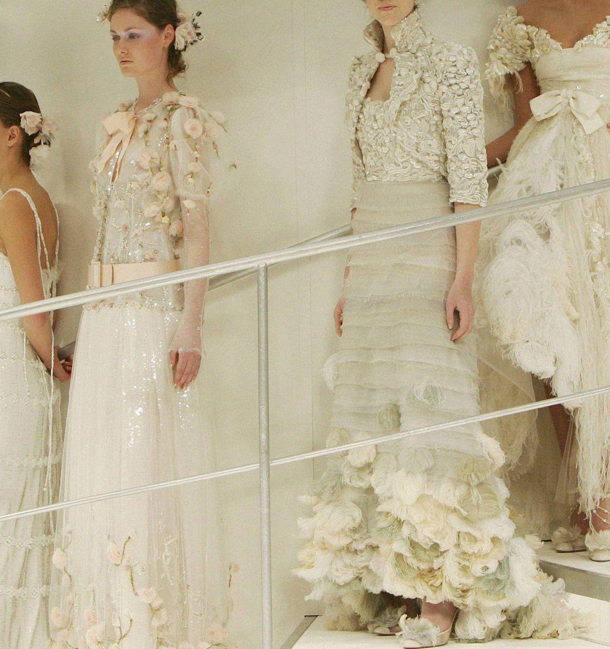 18th century wedding dress  i LOVE this  LOVE  Pinterest  Ruffles Catwalks and Fashion women