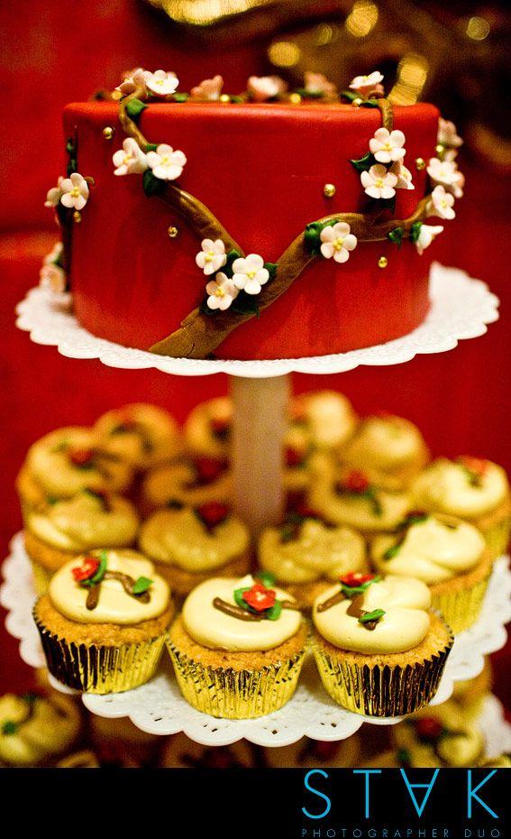 Phenomenal cake decorating skills (from Anna Chlumsky's wedding to Shaun So)