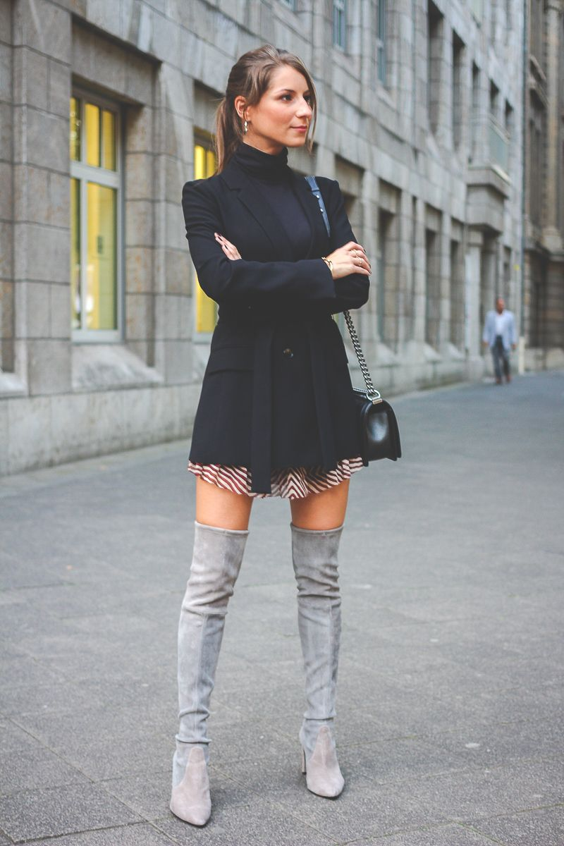 Graues kleid overknees