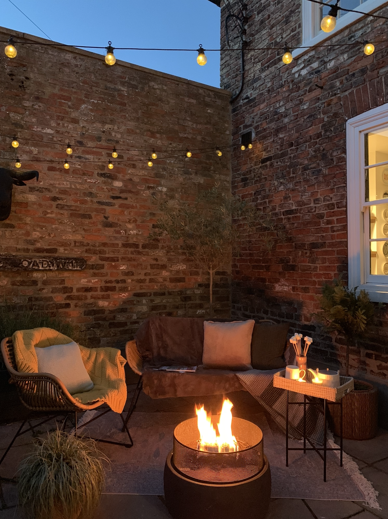 It's perfectly feasible to transform our outdoor spaces, whatever size they may be, into sociable areas ready for autumn #autumn #garden #firepit #realhomes