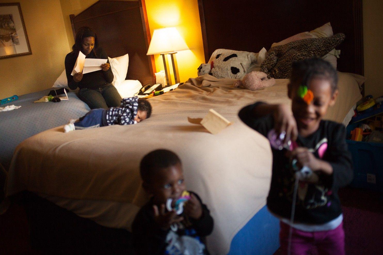 A Hidden World Desperation For Hundreds Of Homeless Families In D C Motels Homeless Families Homeless Motel Room