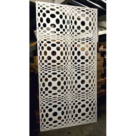 claustra design avec des formes d coupes dans une plaque. Black Bedroom Furniture Sets. Home Design Ideas