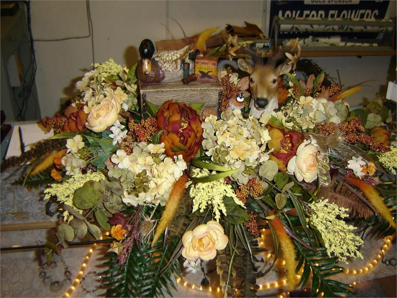 Floral Arrangements Product Casket Spray With Hunting