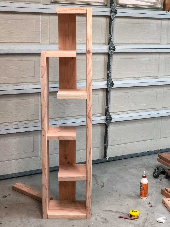 Photo of How To Build A Modern DIY Bookshelf – In 5 Steps