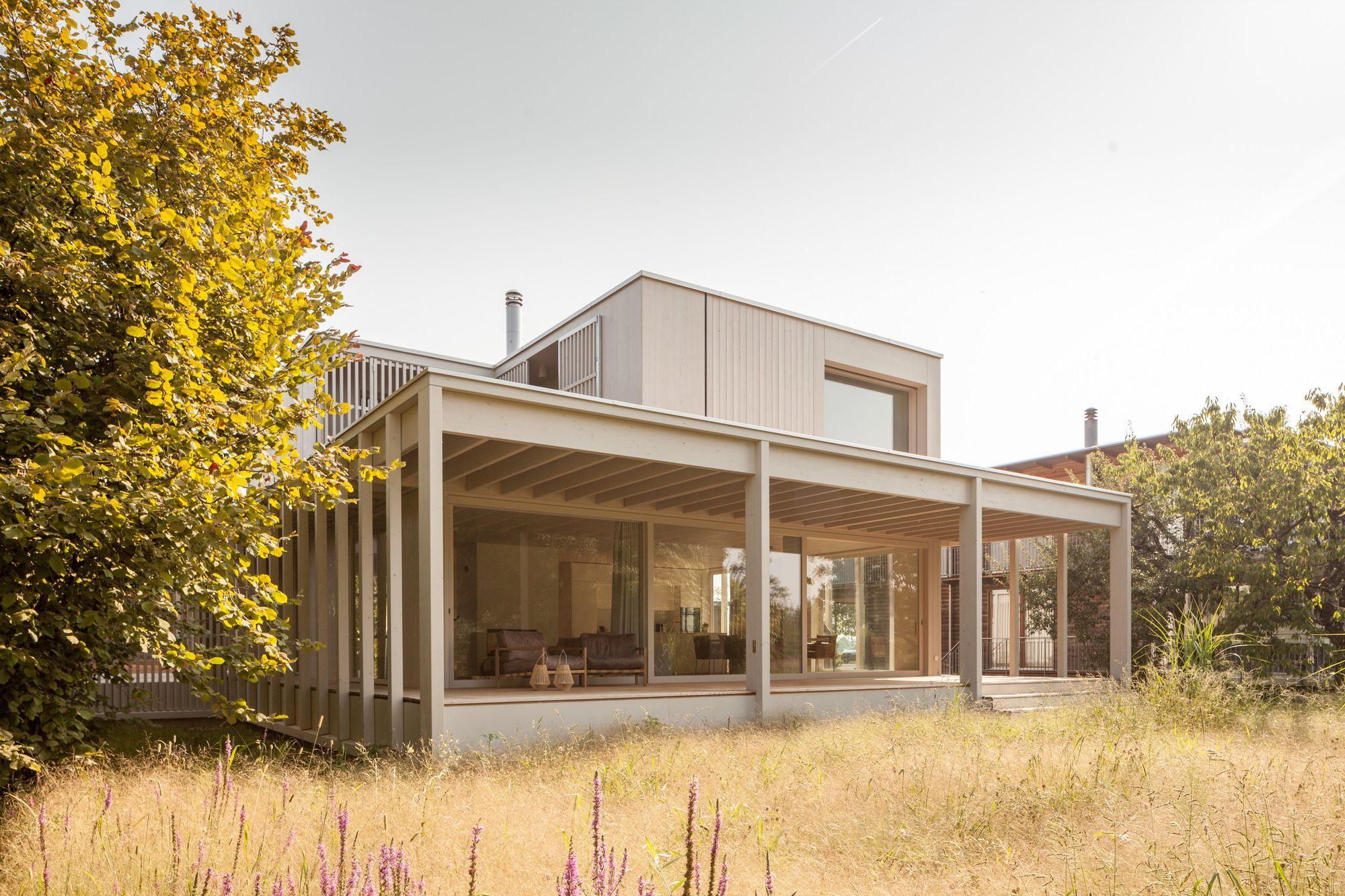 House at Lake Biel / Markus Schietsch