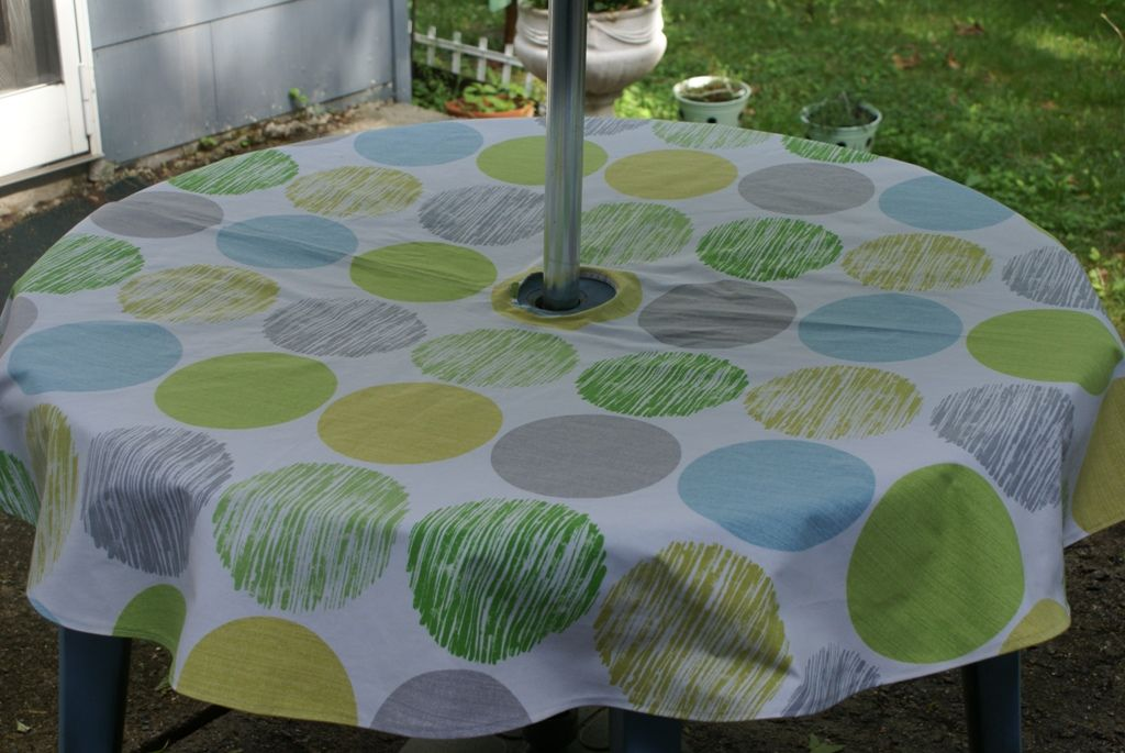 #How To Make A #tablecloth For An #outdoor Umbrella Table.