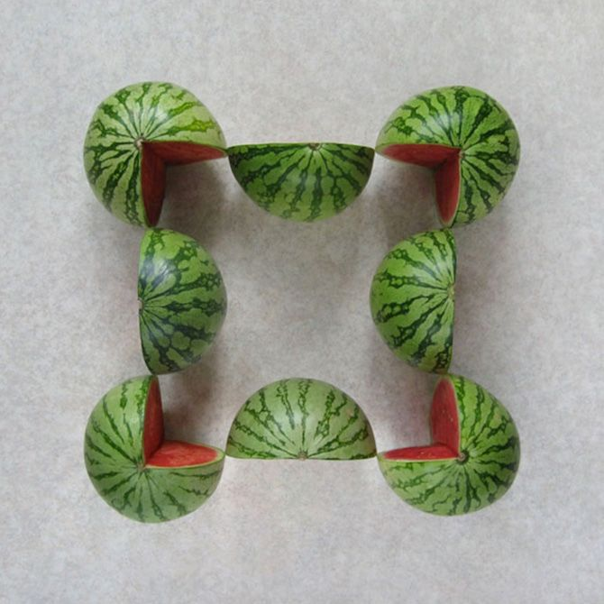 Originally from Turkey, conceptual photographer Sakir Gökçebag creates striking arrangements and installations with everyday objects. His photograpy series 'Cuttemporary Art' depicts meticulously sliced fruit and vegetables, laid out in striking, methodically-created displays. Through this, Gökçebag presents an interesting play on natural and manmade imagery. A contrast arises through the precision of Gökçebag's cuts and the organic patterns visible on the surface of the watermelons, apples…