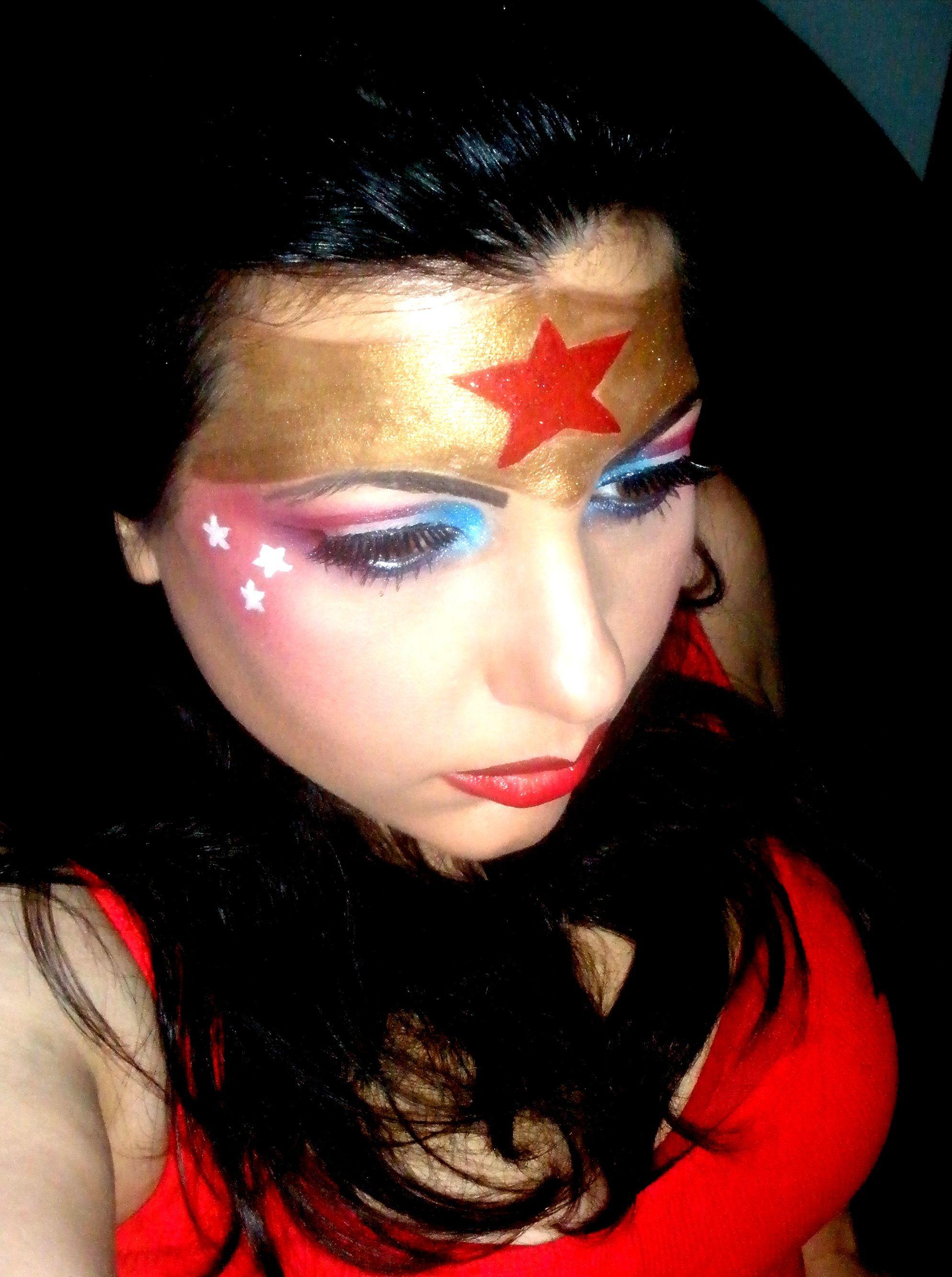 Wonder Woman Makeup Wonder woman makeup, Halloween