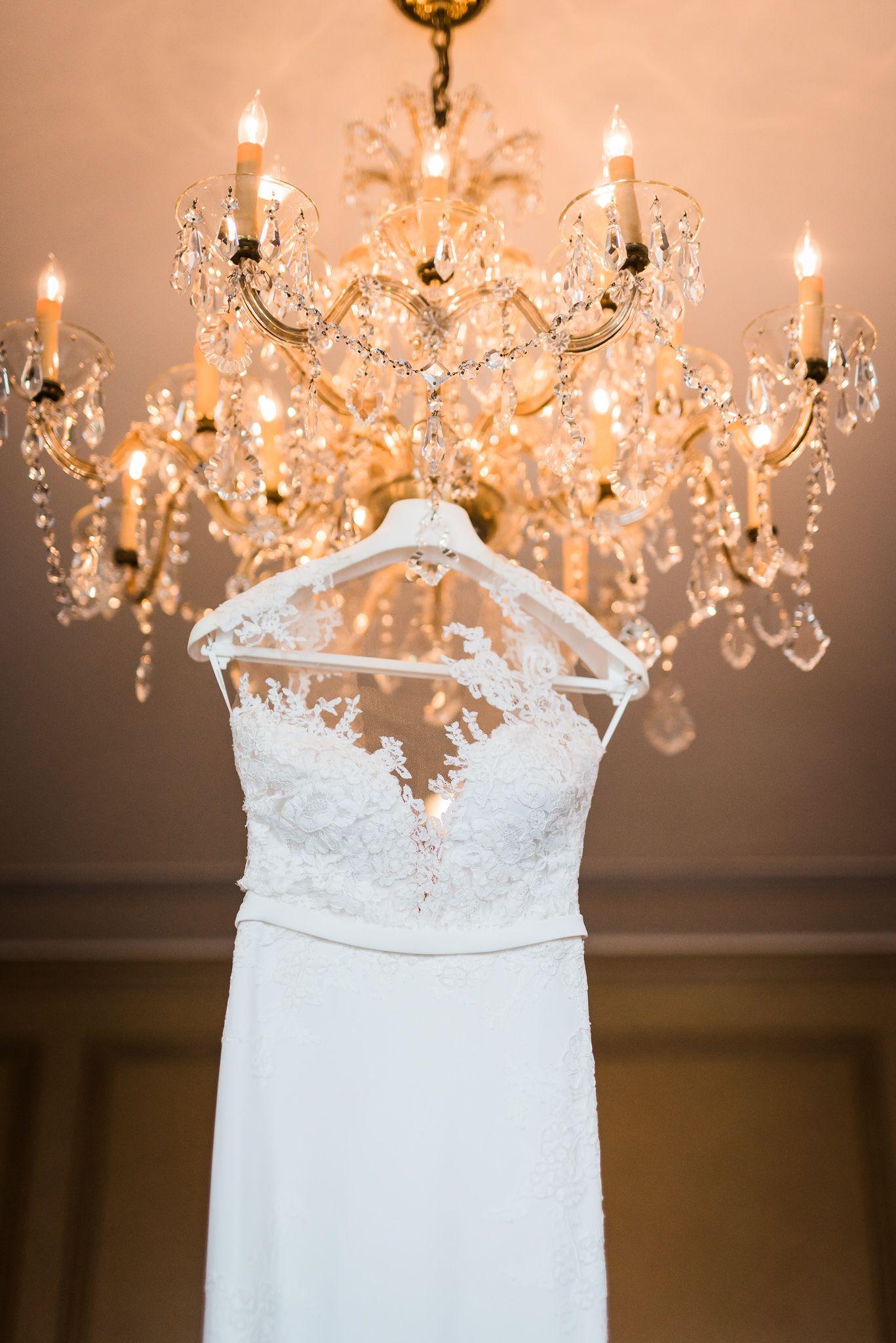 A River Oaks Country Club Houston Texas Wedding Wedding Gown Inspiration Beautiful Wedding Gowns Wedding Bride
