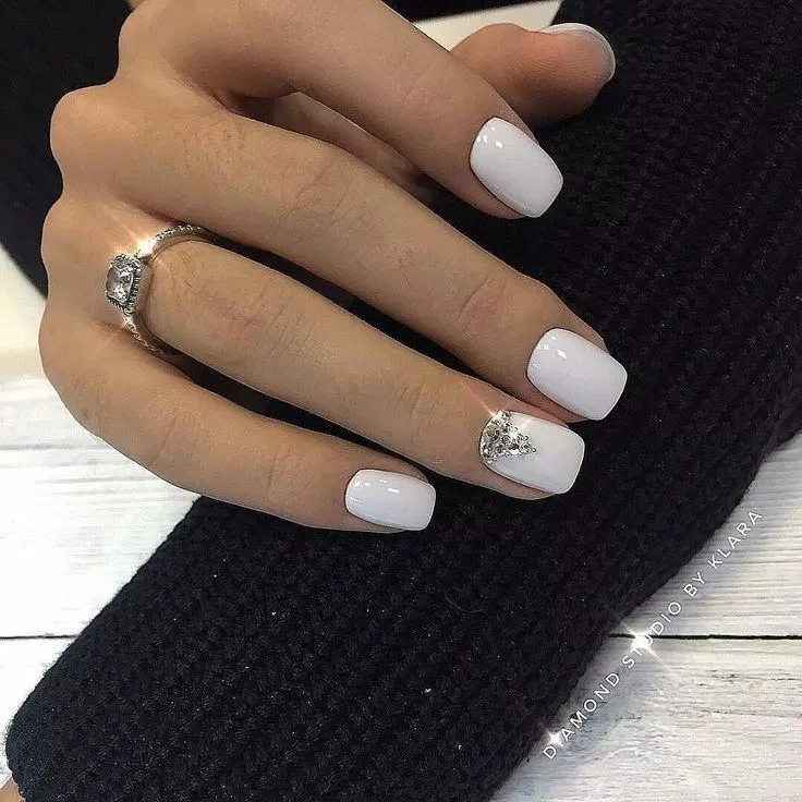 56 Intricate Short Acrylic Nails Design To Express Yourself 19 Short Acrylic Nails Designs White Acrylic Nails Diamond Nails