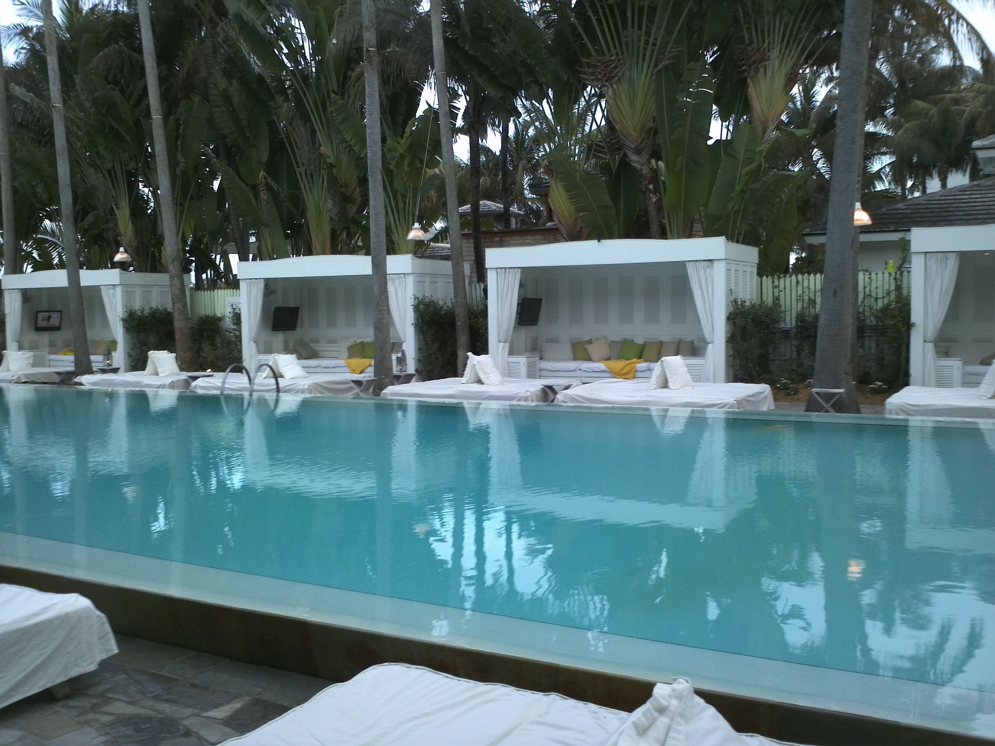 Image gallery delano cabana for Swimming pool cabanas