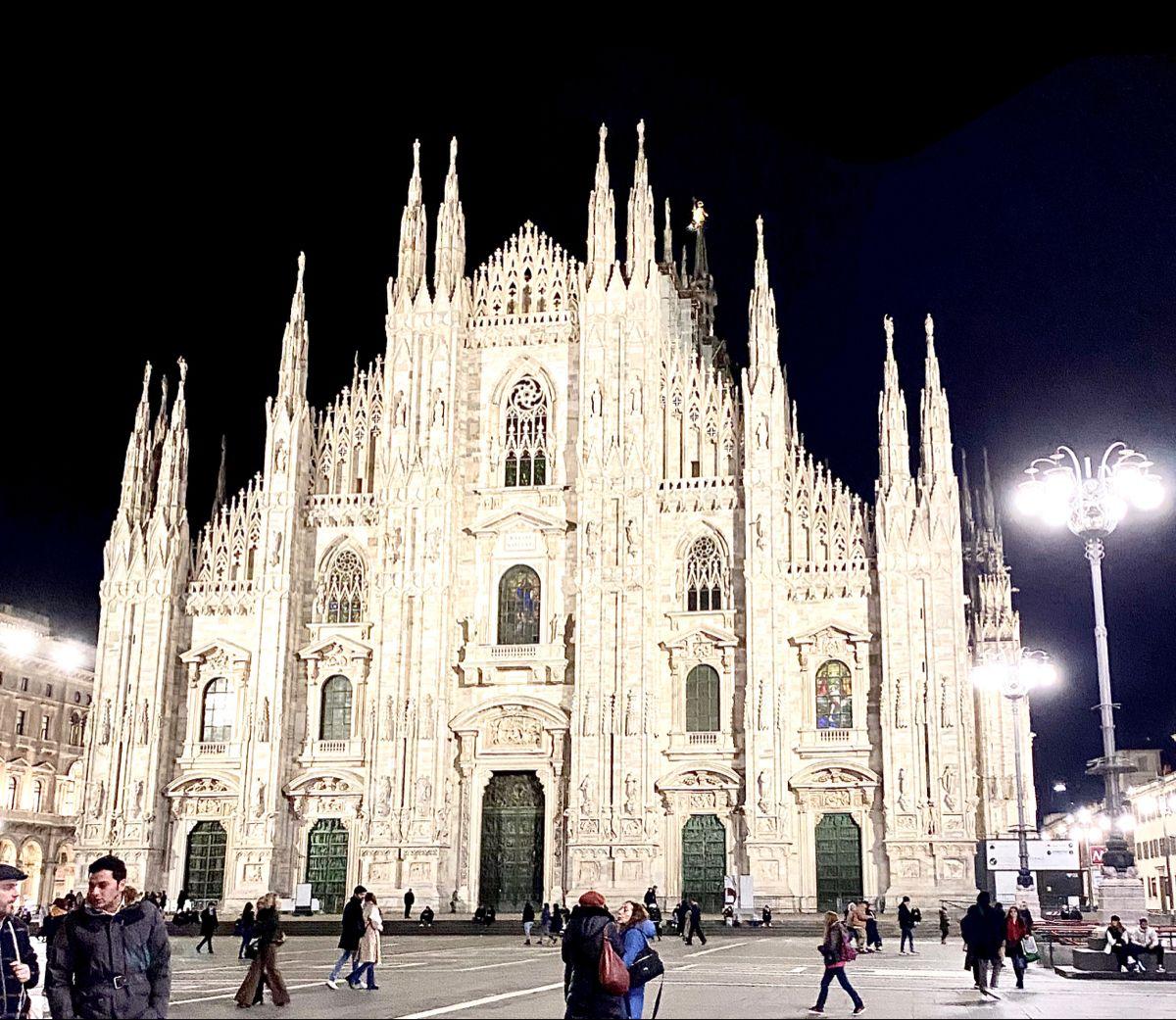 Duomo di Milano. @cathedralscafes @travelchannel @duomomilano