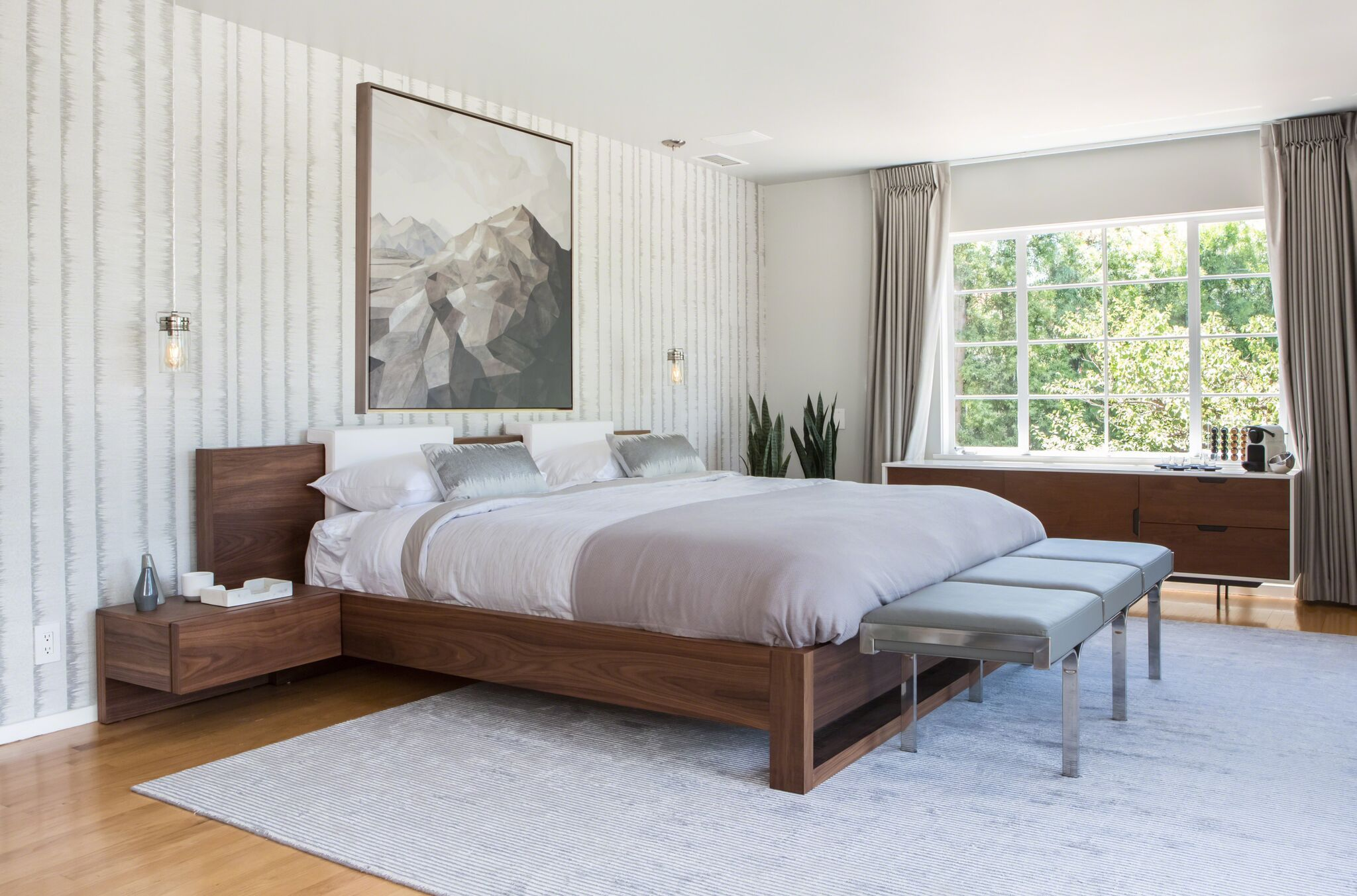 A Bachelor Pad in the Hollywood Hills Is Recast to Reflect