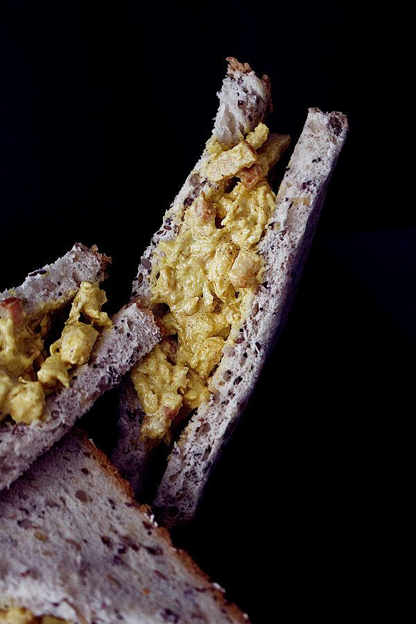 sandwich-pollo-curry-rodilla