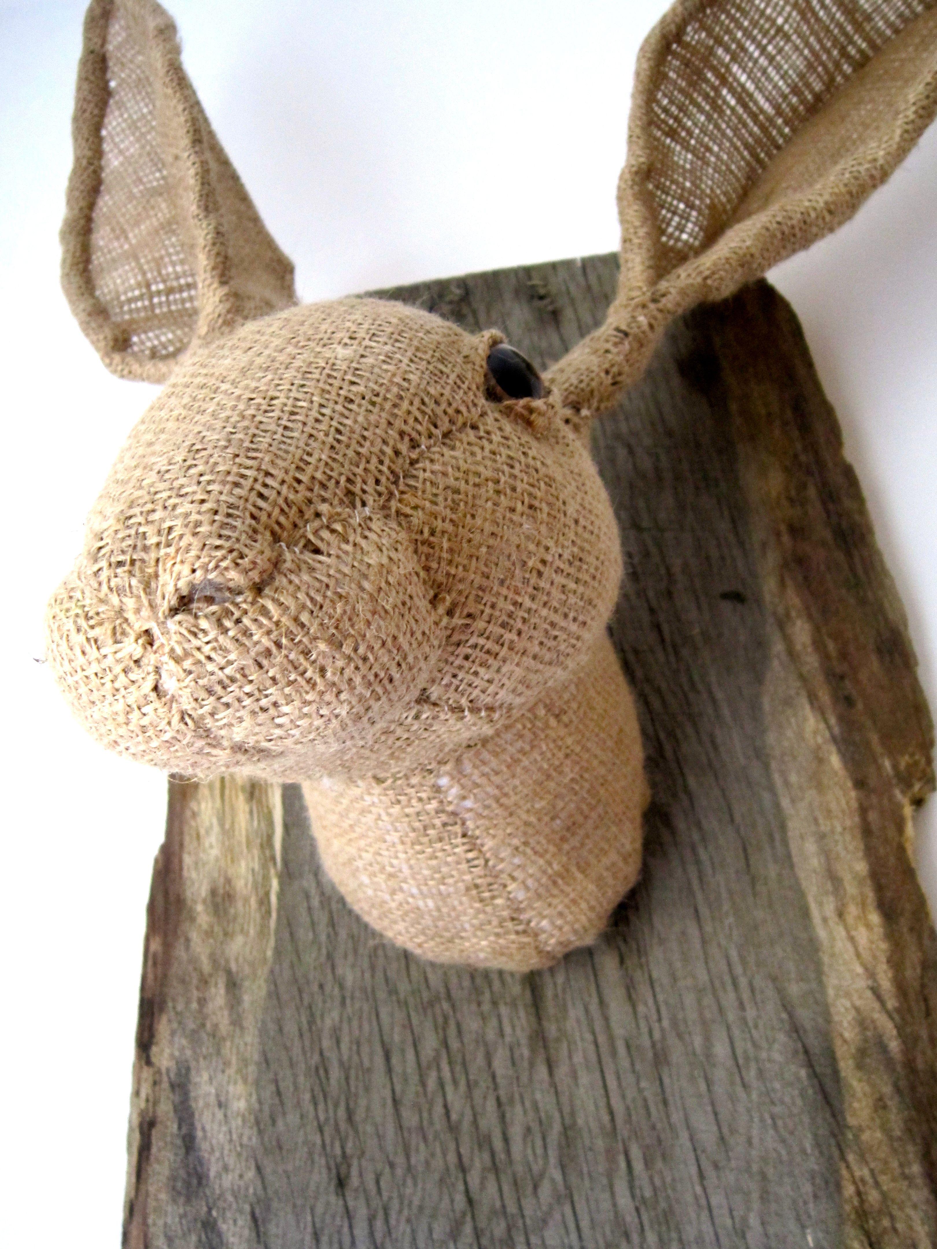 Hessian hare textile sculpture characters by julia arte pinterest textile art textiles - Cabezas animales tela ...