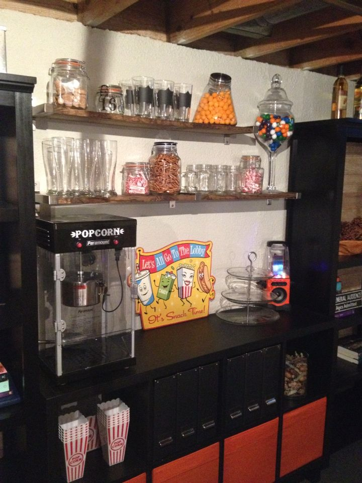Man Cave Home Bar, Snack Bar