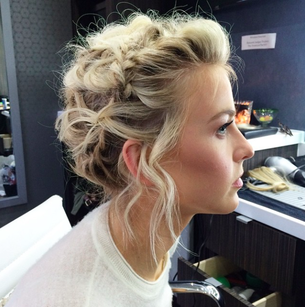 Red Carpet Hairstyle Braided Updo Julianne Hough Celebrity Hairstyle Hair Styles Hair Inspiration Short Hair Styles