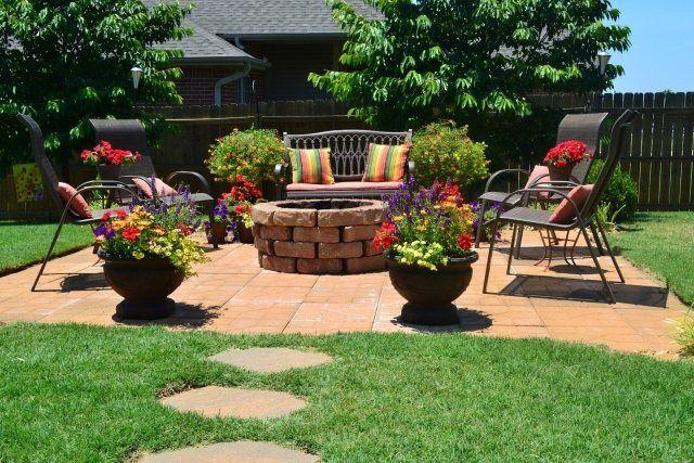 feuerstelle stein terrasse selber bauen sitzecke back yard