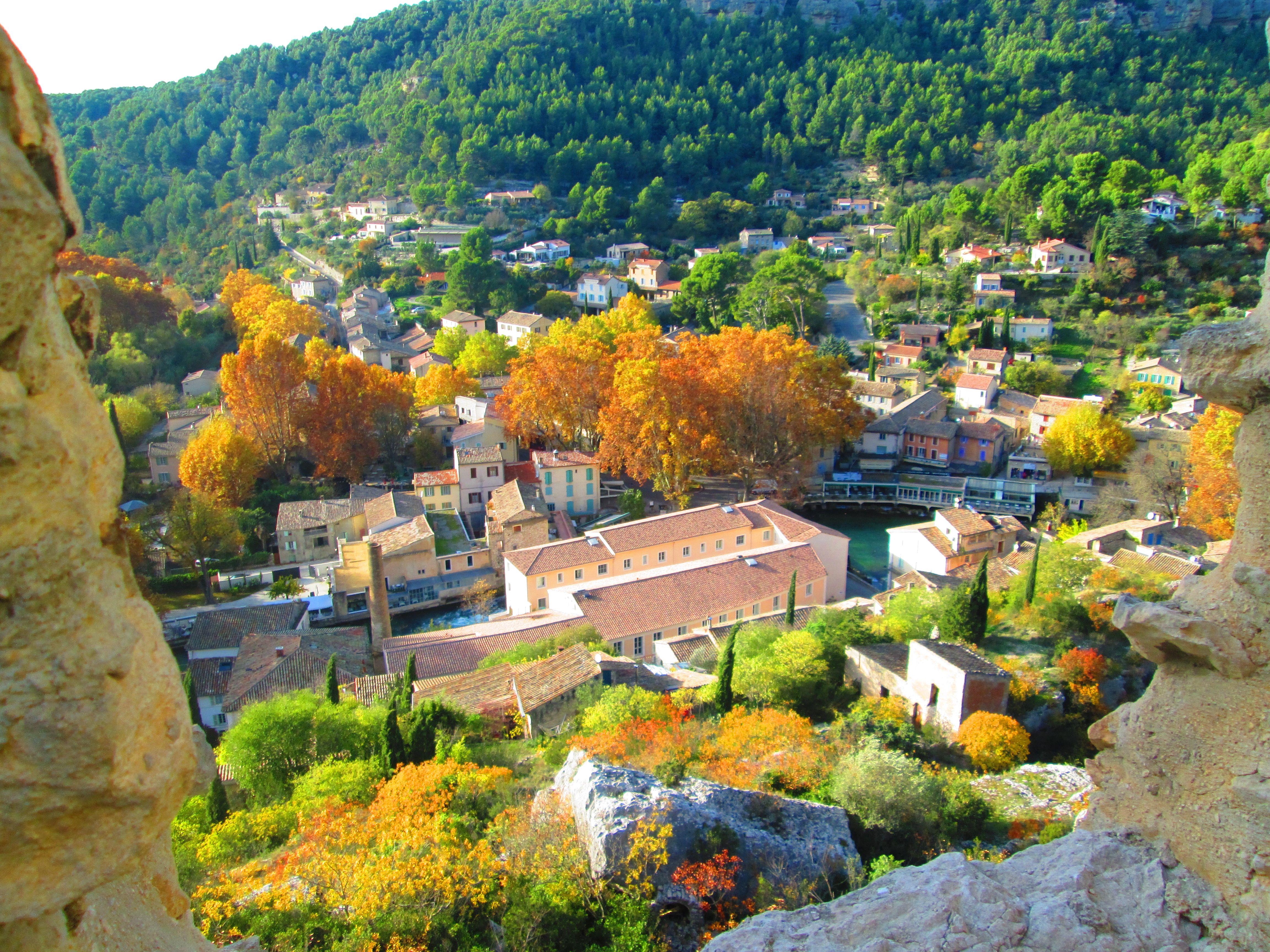 Le village de Fontaine de Vaucluse ©Marion OTI PSMV
