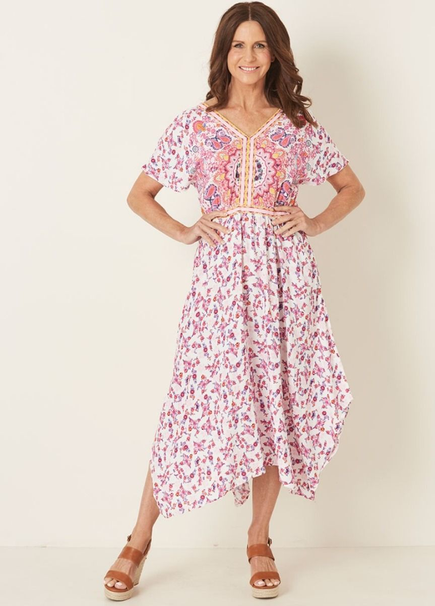 6f78a51c5c927 View our V NECK HANKY HEM PLACEMENT PRINT DRESS available in sizes 8 ...
