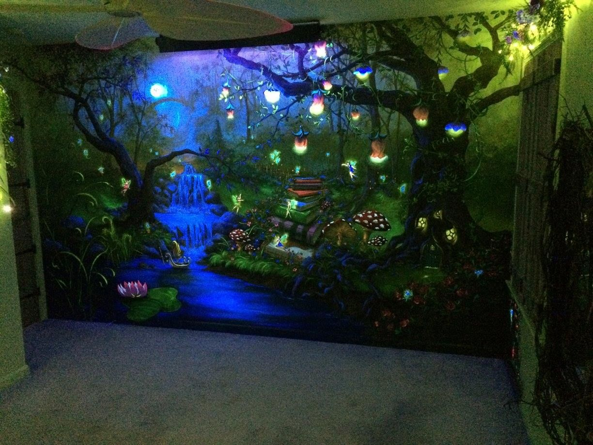 Enchanted forest bedroom mural under the blacklight at for Room decor ideas with fairy lights