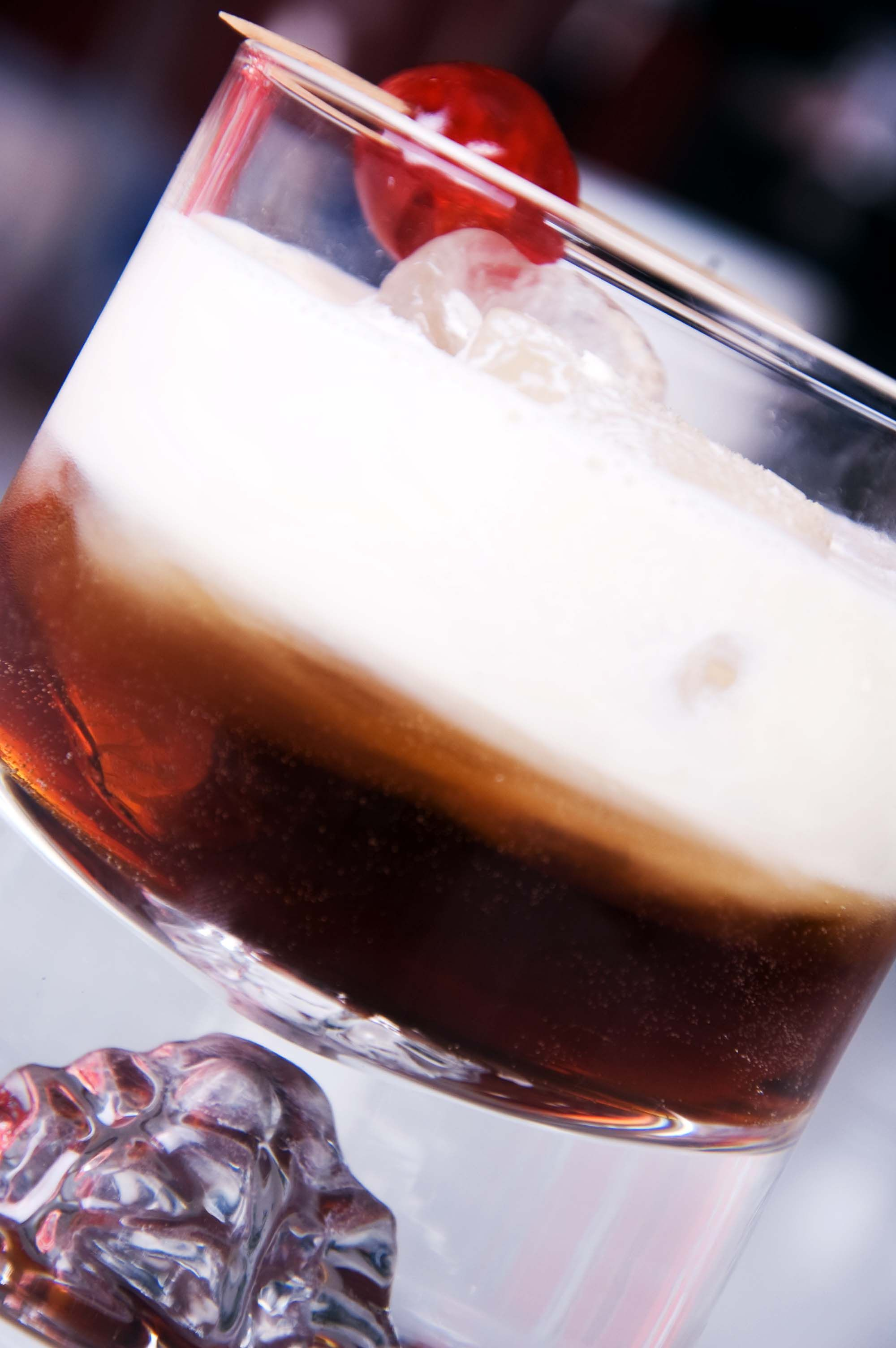 White Russian 1cl Vodka 1cl Coffee Liquor E G Kahlua Maison Strauss Tia Maria 1cl Cream Directi White Russian White Russian Recipes Russian Recipes