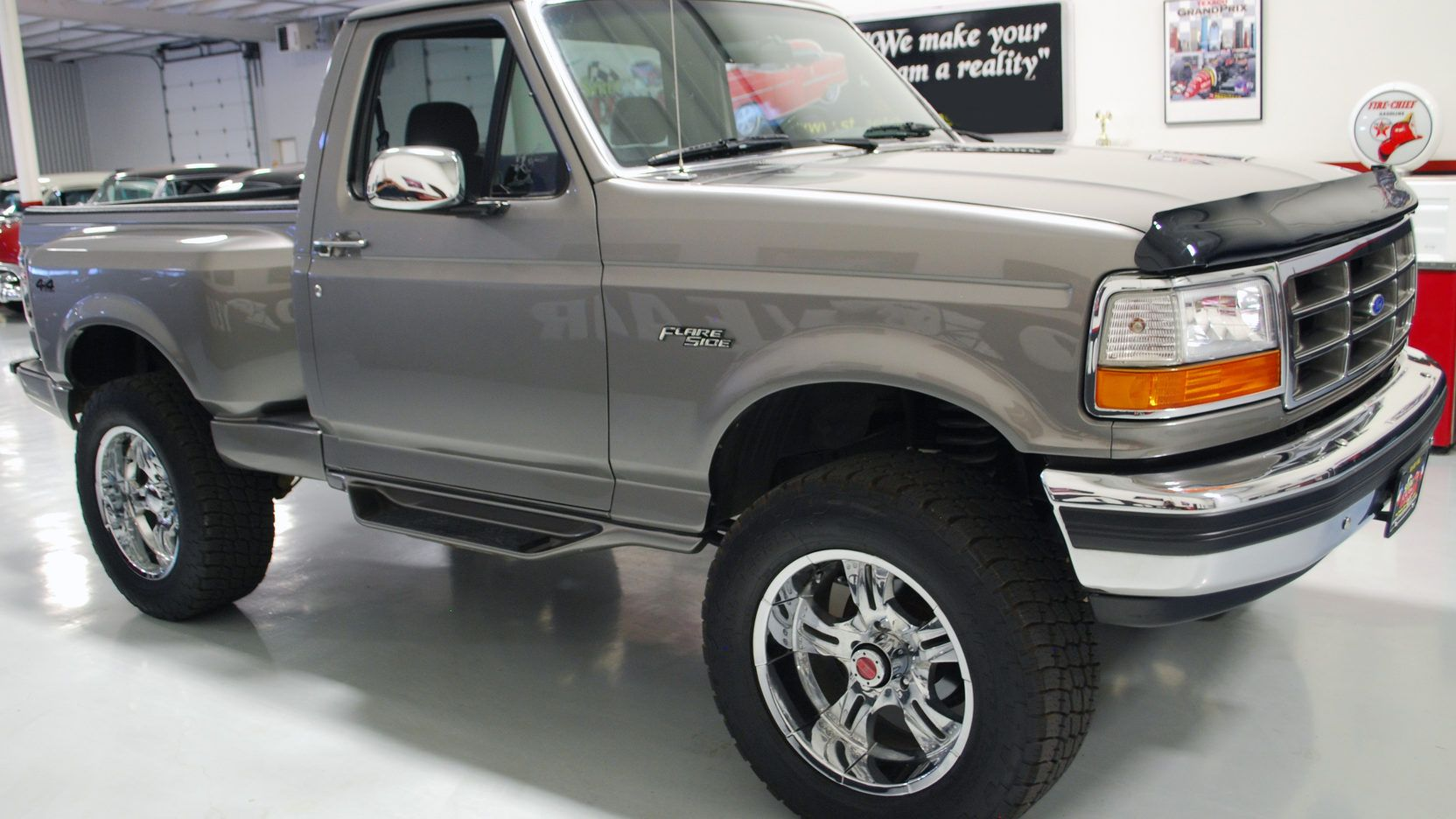 Auction Lot S29 Houston Tx 2012 1992 Ford Regular Cab 4x4 Flareside Pickup Loaded Lifted New Paint Bed Liner Wheels Tires S Ford F150 F150 Ford Trucks
