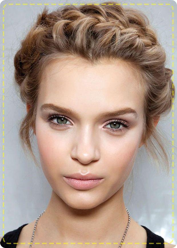 Hairstylemonkey Co In Wp Content Uploads 2016 03 Greek Goddess Braided Updo Jpg Greek Hair Grecian Hairstyles Greek Goddess Hairstyles