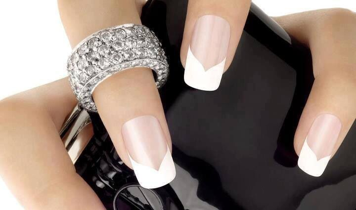 V Shape French Tip French Manicure Nails French Tip Nails Nail Art Hacks