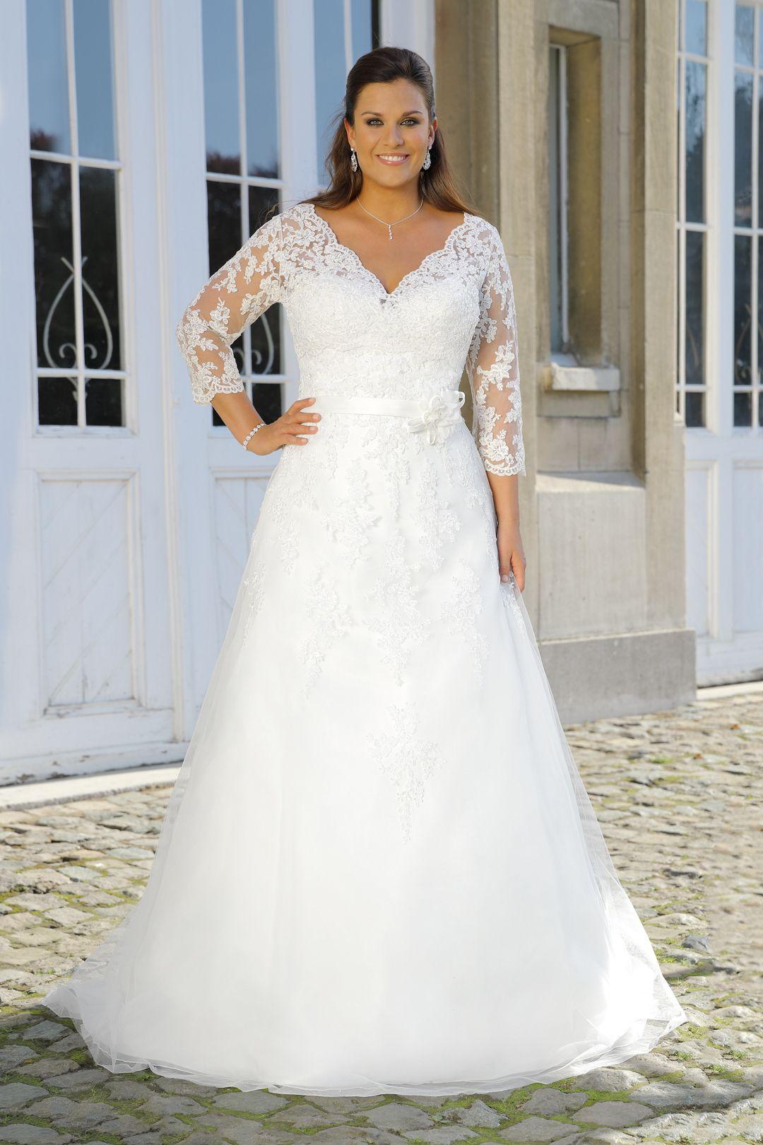 Brautkleider Grosse Grossen 2019 Erhaltlich Bei Bosckens In Erkelenz Kleider Hochzeit Brautmode Brautkleid