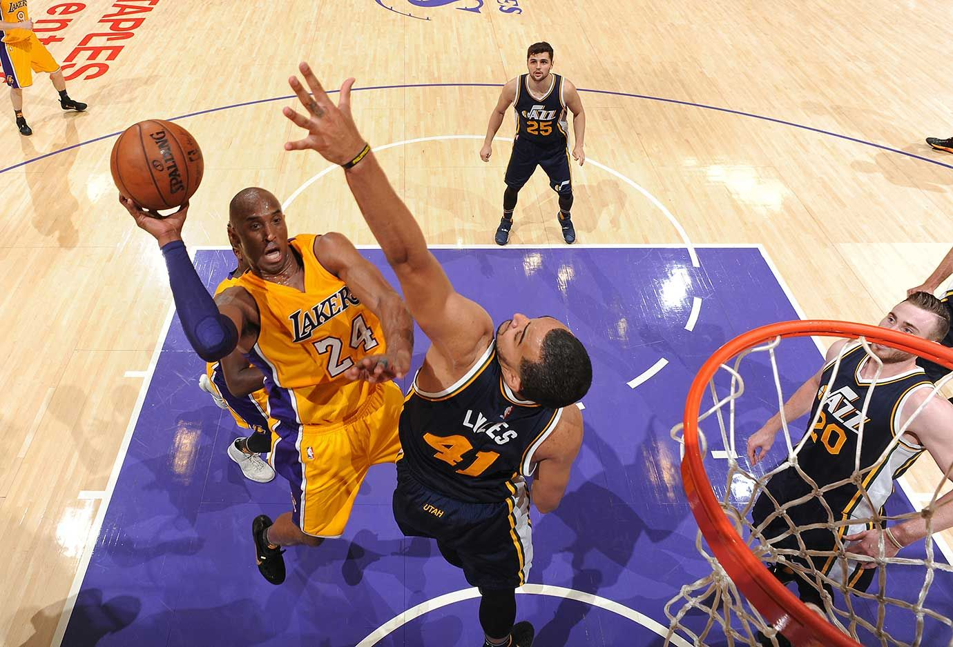 Kobe Bryant played 42 minutes in his final game and hit 22 of 50 shots.