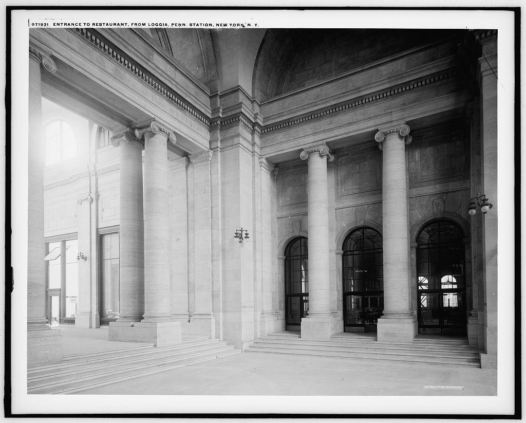 Entrance To Restaurant From Penn I E Pennsylvania Station New York N Y Penn Station Nyc Station Union Station
