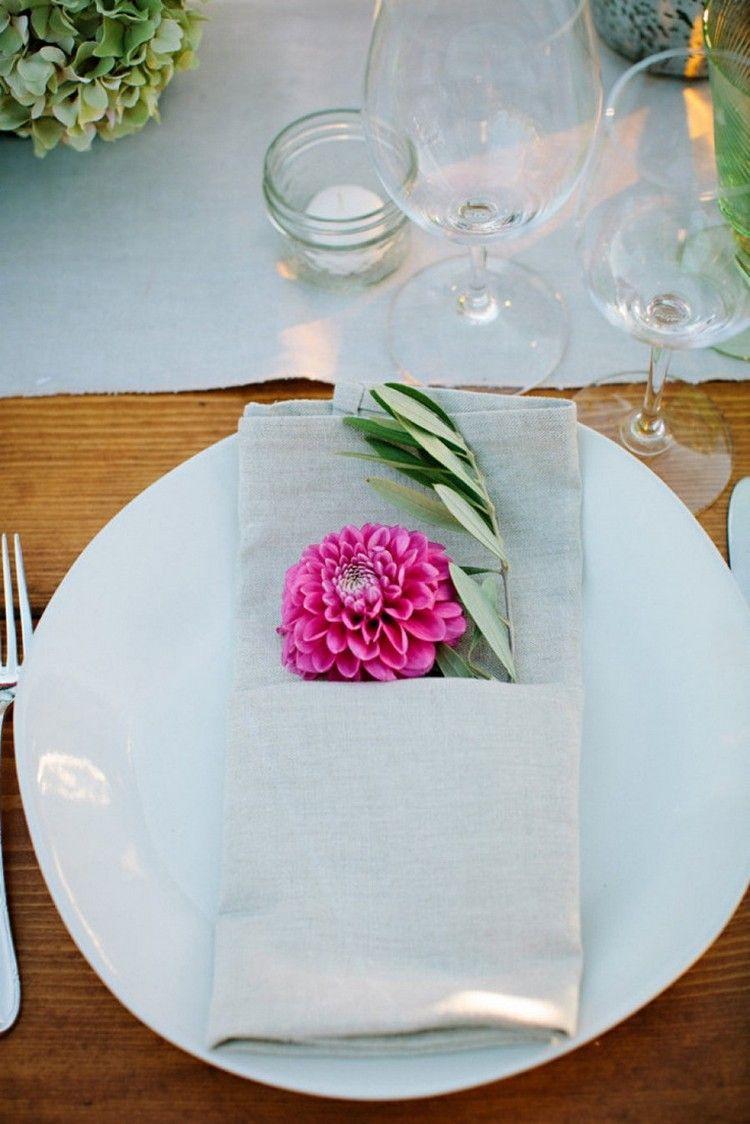 Serviettentasche Falten servietten falten mit tasche für dahlia blume hochzeit