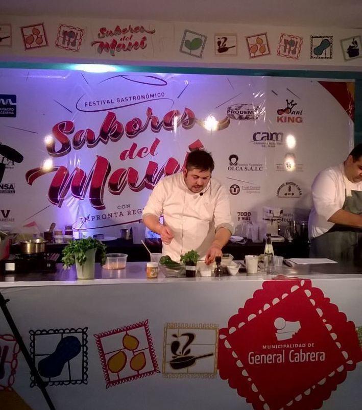 Arranca la clase del #Chef Martin Pellizzari con 2 #recetas para anotar: Salmon frito con curry verde. Prensado de quirquincho en su salsa acompañado de tubérculos  #SaboresDelManí #recetas #maní #Cordoba #AmoCocinar