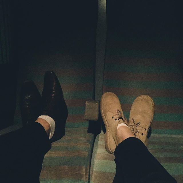 That time it took us 15 hours to travel to the Alps 😴 #desertboots #safariboots #train #travel #Alps #mountains #wanderlust #travelling #vscocam #vsco #photography